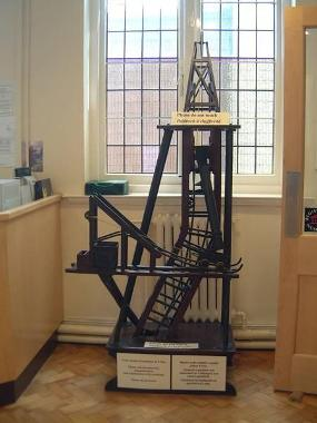 Llanidloes Museum - Image of mineshaft model